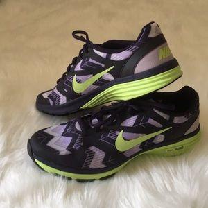 Women's Nike dual fusion